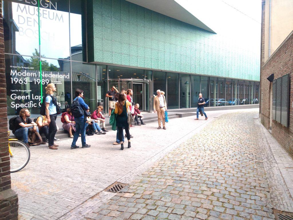 Protest tegen Nazi Expo in Design Museum 's-Hertogenbosch