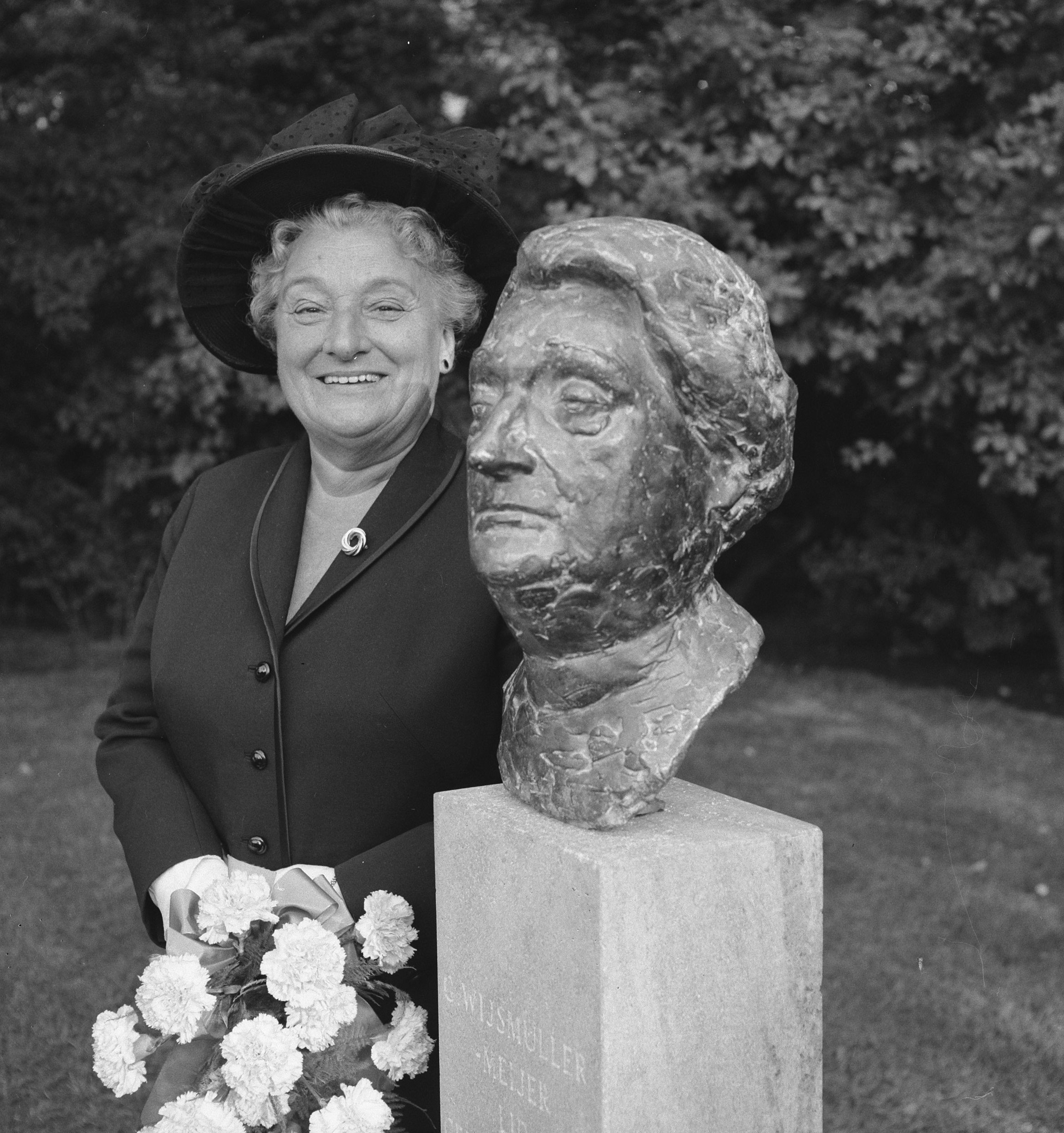 Call to the survivors of the Kindertransporte and their descendants:  Come and remember founder 'auntie Truus' Wijsmuller 80 years after the first Kindertransport